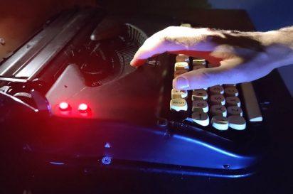 P.Cronos máquina escribir 550x365